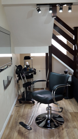 Tins Barber in Corby